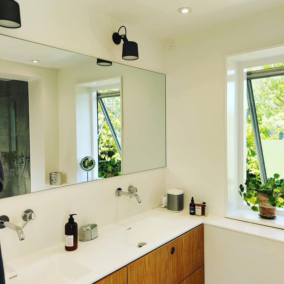 Badeværelses spejle i specielle mål